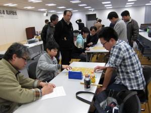 支部名人戦予選決勝。左が狩山幹生、右が植田吉則。